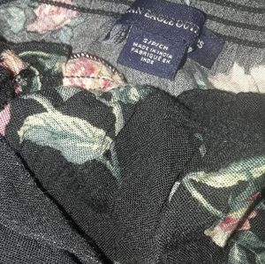 American Eagle black roses top (s)